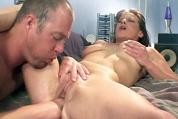 Victoria Red Gets Her MILF Pussy Fisted